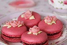 Cupcakes, Macarons & Cookies