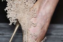 Laces and Embroideries in contemporary fashion