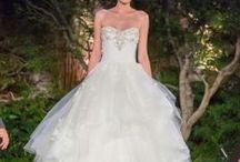 Brautkleider / Das eigene Traumkleid zu finden, ist einer der Höhepunkte für jede Braut. Hier findet ihr neue Kollektionen und Brautkleid-Trends.