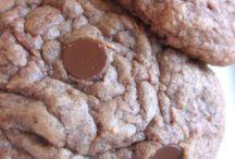Food - deserts - cookies / by Sara McKone