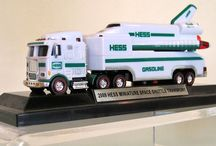 Miniature Hess trucks / Hess trucks and cars from the collection of Pete and Marilyn Schaefer
