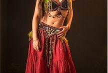 Arabian dreams (Adriana) / Nuestra modelo Adriana, fotografiada por Eduardo Serrano, posa con ropa de Ropa de Arabia.