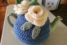 Tea Cozies  / Tea cozies - ideas and patterns