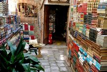 """Book love / """" I would be most content if my children grew up to be the kind of people who think decorating exists mostly of building enough bookshelves"""" Anna Quindlen"""