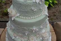 Lime Green 3 layers wedding cake with lace and roses