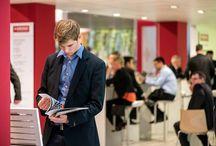 Domotex 2014 / W dniach 11-14 stycznia w Hanowerze odbyły się Międzynarodowe Targi Domotex 2014. Podczas tej największej na świecie wystawy branży podłogowej obecny był również Kronopol. W trakcie trwania targów mieliśmy przyjemność zaprezentować pełną kolekcję KRONOPOL AURUM FLOORING. Targi były też doskonałą okazją do spotkań z klientami i partnerami handlowymi Kronopolu z całego świata i przedstawienia im wielu nowych projektów biznesowych, których realizacja planowana jest na 2014 rok.
