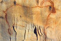 Les Grottes de Cougnac /  Découvertes en 1949 et 1952, les deux grottes sont depuis une cinquantaine d'années accessibles au public. Elles se caractérisent par une prodigieuse végétation minérale entourant de remarquables peintures préhistoriques : bouquetins, mammouths, grands cervidés, figurations humaines, signes divers... Les plus vieux dessins figuratifs ouverts au public... Nous vous attendons nombreux pour découvrir l'un des plus beaux plafonds de France.  www.grottesdecougnac.com