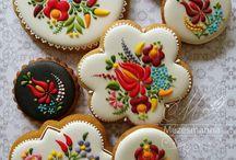 Hungarian Cookies (Mézeskalácsok)