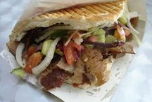 Cyprus / Het bord gaat over eten uit een fastfoodrestaurant.