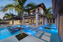 Cool houses  / by Kayla Aldana