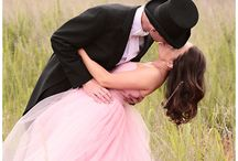 wedding picture ideas / by Kristi Barnes Willing