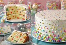 Baking Rainbow's cakes