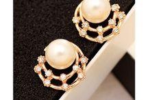 Smart Sparkling Earrings By Addic!