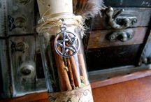 magische Fläschchen und Amulette