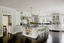 Kitchens / by Catherine Hornaday