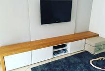 zona living parete tv in legno di larice su misura per il nostro cliente