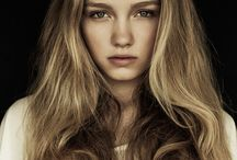 femme blonde mannequin