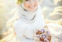 Gaun & Busana Pernikahan di Makassar / Kumpulan foto inspirasi vendor gaun & busana pernikahan di Makassar