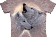 Tricouri 3D The Mountain Wolf / Tricouri 3D marca The Mountain, din colectia Wolfes. Tricouri imprimate cu lupi, pentru dame si tricouri unisex.