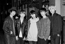 "XOX / XOX ( KISS HUG KISS / キスハグキス ) is a new generation japanese boys group formed by five attractive members, they debuted in December of 2015 . Three members Sadao Shimura, Toman, Batoshin, play an active role as leading models, while the two remaining members, Riku Tanaka and Tsubasa Kidu won the ""BOY's Grand Prix 2014"" that was presented by Sony Music and WEGO. Please support them ♡~(>᎑<`๑)♡"