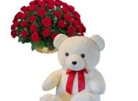 Combo Gifts / Spoil your loved ones with the most beautiful flower arrangements and soft toys. Our selection of the softest and 'never to be part' teddies are just the right toy to say how much you love your beloved.  At Sofia Raj we try to make sure that your loved ones get what they truly deserve!!