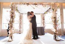 wedding ceremony decor / Creative wedding ceremony decor ideas for your wedding ceremony aisle, altar and flowers