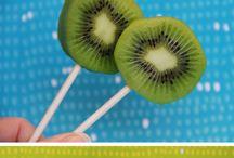 hedelmä ja keksi