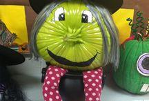 Halloween ideas / crafts for kids and pumpkin decorating ideas