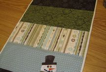 Quilts - Wall Hangings & Table Toppers / by Rinnie Hunt Henry