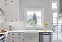 Kitchen / by Rebecca Hoyle