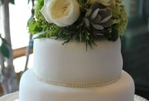 Bergerons Designed Cakes / by Bergerons Flowers