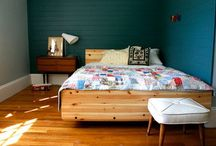 Bedroom Decoration Tips / Bedrooms are a place for resting, for reading, for getting down. And besides a bed and a lamp, there's nothing else that must go into it. So there are a lot of options for how much or how little you want to incorporate.
