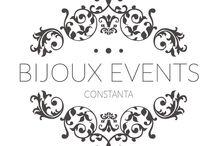 Organizare evenimente / Bijoux Events Constanta isi propune sa satisfaca cele mai exigente cerinte in materie de nunti si evenimente. Si o face cu succes. Satisfacem toate gusturile clientilor in materie de organizare evenimente, deoarece suntem o echipa tanara si experimentata care vine cu o multime de idei bune! Apelati cu incredere pentru servicii de candy bar, decoratiuni evenimente, servicii foto-video, momente artistice si multe altele! https://www.facebook.com/bijouxevenimenteconstanta