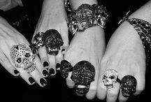 just jewelry / by LAUREN BRIDGES