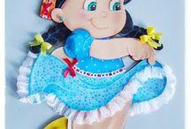 muñeca goma eva