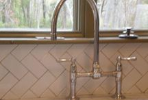 Backsplashes / Backsplashes can add a lot of drama to a plain kitchen. Here are some of our favorites.