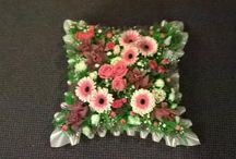 Funeral Pillow and Cushion Tributes / The Bee's will do their utmost to cater for any ideas that you wish with any mixture of flowers subject to season. Please feel free to contact Tanya to discuss a price that suits your needs