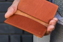 LINJER // Slim Wallets / Slim leather wallets made with full grain vegetable-tanned leather. Minimalist wallets for men and women.