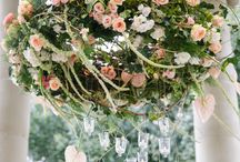 Flowers / Stunning floral chandelier with tea lights