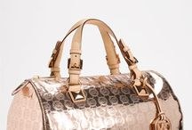 Bags, Purses and the Such / by Kriselie Monserrate