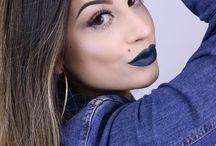 BATOM PAULA OHENOJA / Os melhores profissionais de maquiagem do mercado assinam a linha TBLOGS PRO, desenvolvendo produtos que mesclam conforto, qualidade e tendências mundiais. A cor pode variar de acordo com as configurações do monitor.