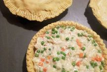 Freezer Meals / Save time and money by preparing meals in advance and freezing.