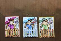 ATC cards / Dit zijn kaartjes met een vaste maat van 89x64mm. De kaartjes kun je ruilen met andere mensen die deze kaartjes ook maken. Ze zijn er als solo kaartjes, maar ook als een serie.