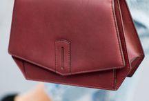 Das i-Tüpfelchen: Handtaschen / Ohne Handtasche geht es einfach nicht und da die Auswahl so groß ist, haben wir hier ein paar besonders hübsche Exemplare für euch zusammengestellt. Zum Träumen, Shoppen, aber vor allem zum Verlieben <3