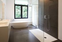 Easy to clean shower screens - Low residue glass / Make your cleaning easier by choosing low residue DuraClean glass product developed specifically for bathroom applications. It helps to keep your shower screens crystal clear without agressive cleaning. #featureglass #architechturalglass #designerglass
