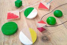 Geometric pins (Comayose)