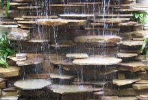 pared de agua con piedra laja