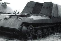 WW2 - 17cm (Sf) GESCHUTZWAGEN TIGER / Geschützwagen Tiger(Gsw Tiger, Gw Tiger) – prototyp podwoziadziała samobieżnegona którym montowane miały być ciężkie działa polowe. Podwozie miało być pochodną podwozia zastosowanego w czołguPanzerkampfwagen VI B Königstiger. Zależnie od wersji pojazd miał być uzbrojony w:  armatę17 cm K72 L50kalibru 170 mm (zapas amunicji 12 naboi). haubicę21 cm Mrs 18/1kalibru 210 mm. moździerz30,5 cm GrWr L/16kalibru 305 mm.