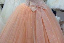Společenské šaty - oranžová