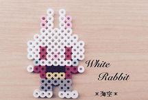 Conigli bianchi